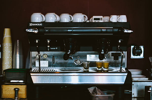 cafe expresso tasse blanche