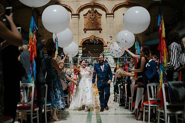 jeune mariage ballon blanc confettis
